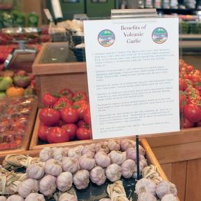 Alfalfa's Market:  Natural foods pioneer focuses on localproduce