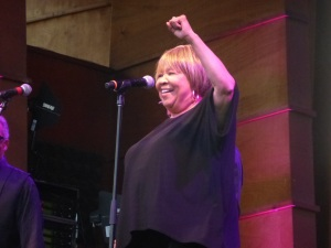 "Mavis Staples told the Folks Festival  audience ""I'll Take You There"" ... and she did."