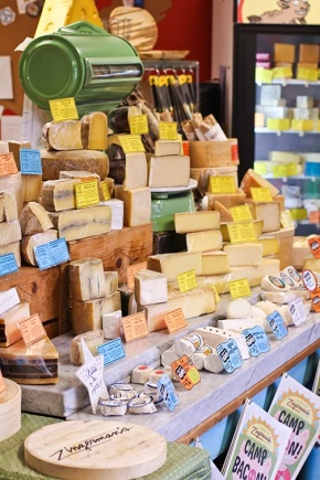 Zingerman's Deli is one of America's best places to fall in love with cheese